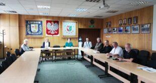 Spotkanie w Urzędzie Miasta - zespół Gazety Lubońskiej