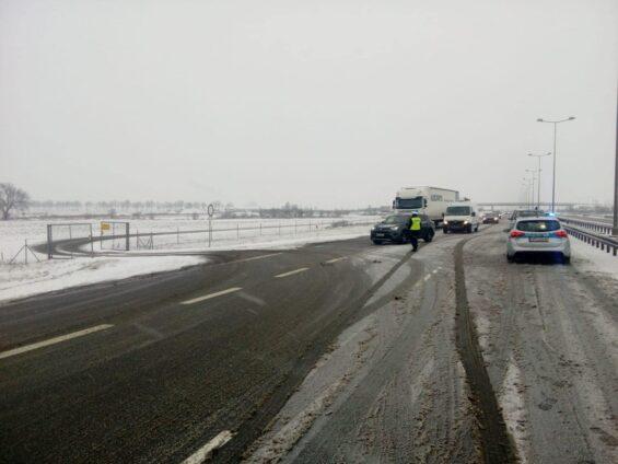 Wypadek ciężarówki na autostradzie A2
